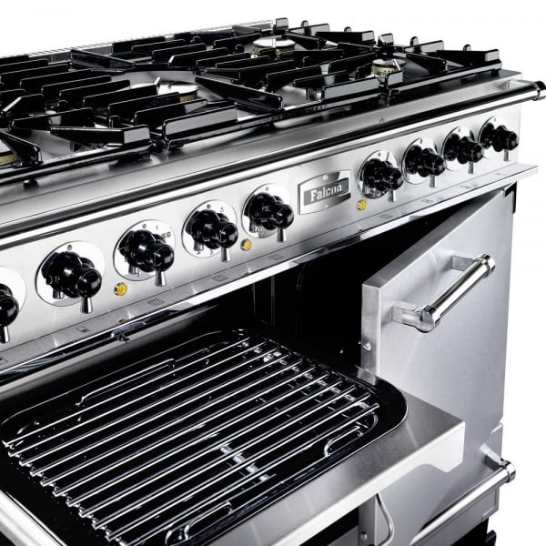 Cooktop with garage ventilation systems
